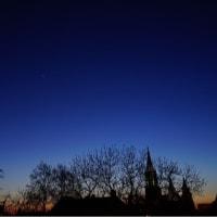 三日月と金星のランデブー