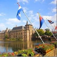 「年間の労働時間」が一番短いのはオランダで1381時間。