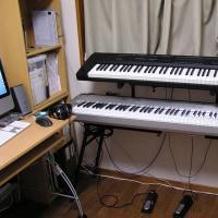 初・電子ピアノ。