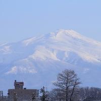 冬晴れの鳥海山