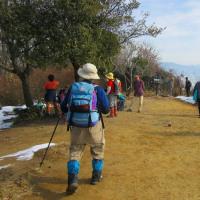 13 鈴ヶ峰・鬼ヶ城山(320・282m:西区)縦走登山  次の目的地「鬼ヶ城山」に向かって