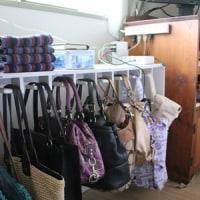 鞄収納と服の一時置き場