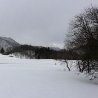 今日の天気 曇りです ,少し雪が