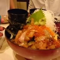 ビッグな海鮮丼