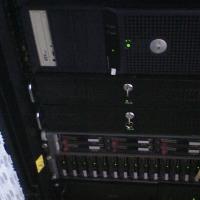 DELL SC430をラックマウントキャビネット内に置いてみる