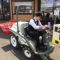 トラクター乗りたいよー