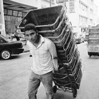 マレーシア  多民族国家にあって、外国人労働者が「第2位の人口構成群」へ