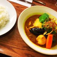 昼ご飯は、新千歳空港でスープカレーのチキン(キタカレー 新千歳空港)