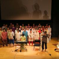 ヴィヴェーカーナンダ生誕祝賀祭(インド大使館)において歌の供養