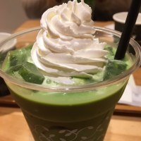 抹茶ラテでのんびり「nana's green tea」