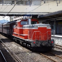 DD51‐895号機+旧客+DD51‐888号機@高崎駅