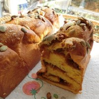 紅白ちぎりパンとかぼちゃのパン