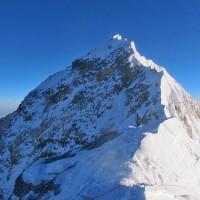 大地震で低くなった? エベレストを再測量する。