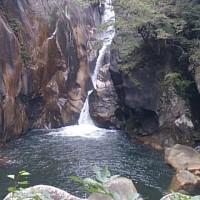 山梨石和温泉です。