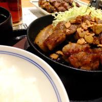 東京駅で食べたもつ焼き(^^♪