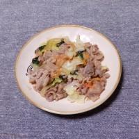 つまみ 牛肉と野菜の塩炒め