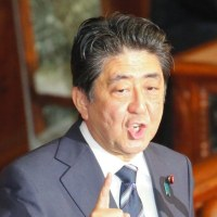 アホ晋三によると、日本では、安倍政権の下、格差(特に、子どもの)が縮小。政治が安定しているのは、経済が豊かな証拠とか