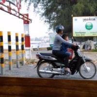 家族で乗るオートバイ