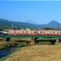 大雄山線復刻版 富士山を背にして