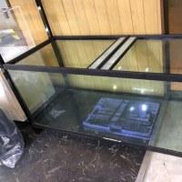 1500/600/600のガラス水槽