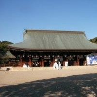 明日は建国記念日、橿原神宮参道で国旗売りに出かけます