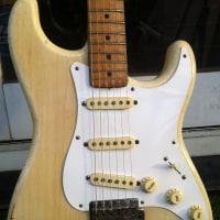 驚愕のギター・コレクションを公開中!俺「MASH」の「MASH Collection」からレア・ギター登場!No,2「フェンダー58年製ストラト」しかもレアな「Blonde」だぜ!(其の1)