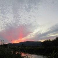 彩雲と太陽柱