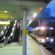 東静岡駅を通過する「ホームライナー静岡3号」 (2017年7月)
