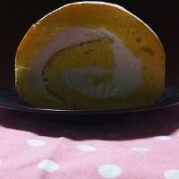 絵のようなロールケーキ美味しくできたよ