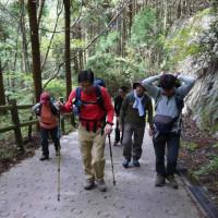 2016年10月16日 山頂を踏まない登山企画(?!) 金剛山で山メシ食べ比べ!