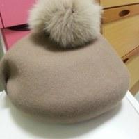 新しい帽子はベレー帽★