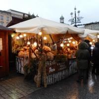 クラクフ5日目 中央広場のクリスマスマーケット&織物会館の土産物屋