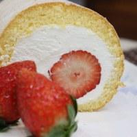 苺まるごとロールケーキ~♪