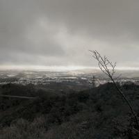 雪のある山
