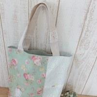 グリーン花柄のトートバッグ