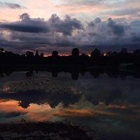 カンボジア旅行するときに アンコールワット朝日鑑賞へ行きましょうか?