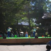 村の民謡踊り