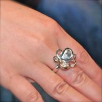 個性的な蝶々の指輪は世界で一つだけ、オーダーメイドならでは。。