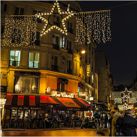 夜パリ五叉路