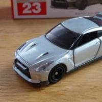トミカ10月の新車 日産 GT-R&トヨタ L&Fジェネオ【トミカライフ10月号】