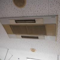 天カセエアコンを、壁掛けに変更