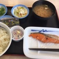 河辺・松屋青梅河辺店 焼鮭納豆定食