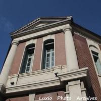 小樽市歴史的建造物の30年~青空の下で銀行の建物を見て~