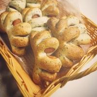 来月の惣菜パン。