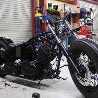 只今製作途中のバイクです♪