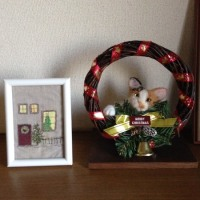 玄関にクリスマス 羊毛フエルト リアル猫