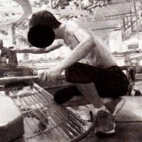 グローバル経済の迷宮 海外工場の事件簿③ 罰金で消える1日の給料