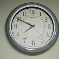 時計が落下!ガラスが割れた(T_T)。
