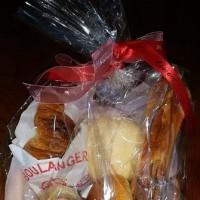かご盛りパン…