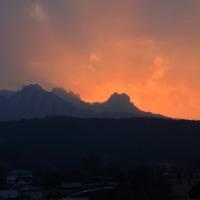 妙義山に沈む太陽